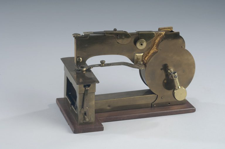 sewing machine 1800s